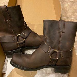Men's Frye 8r harness boots in gaucho. Size 12